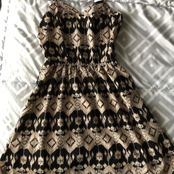 Charlotte Russe Dresses & Skirts - Caged Tribal Print Dress